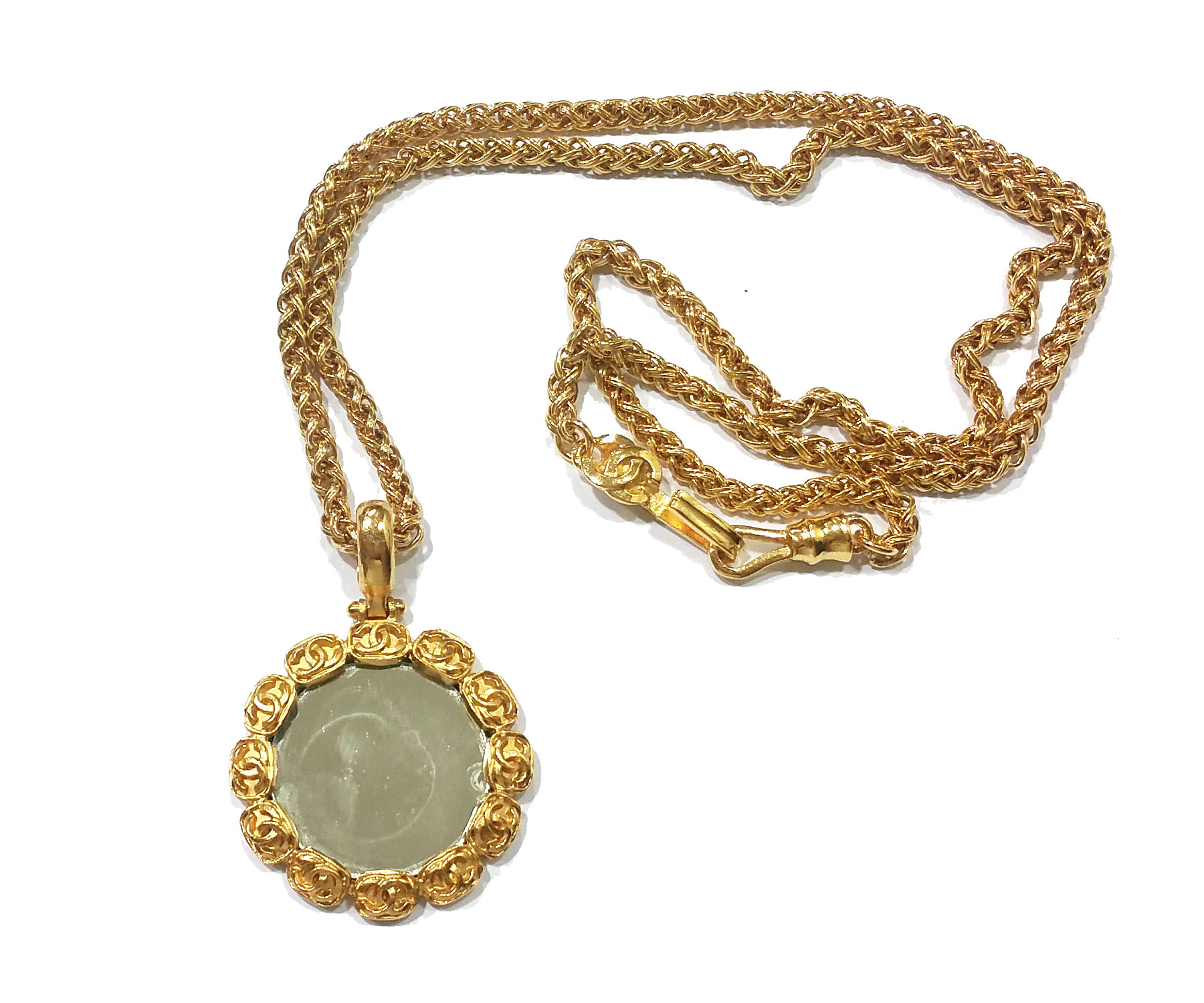 Authentic Vintage Chanel Gold Plated Cc Round Mirror Large Pendant Necklace Lar