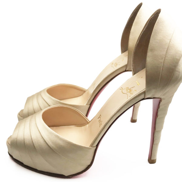 save off 265fd 00cad Christian Louboutin Beige Satin Layer Heels