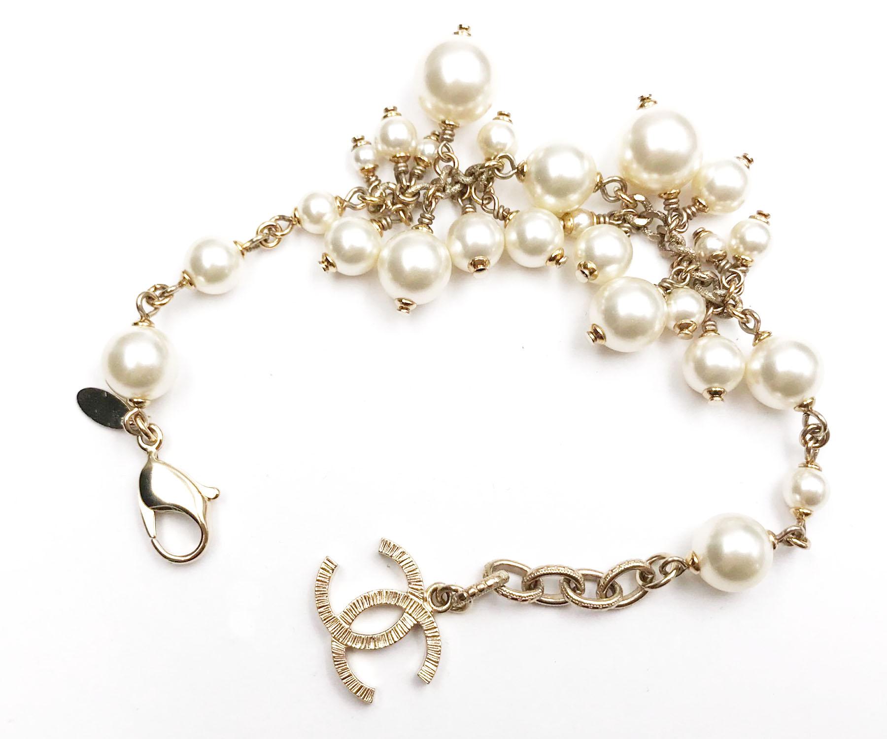 chanel gold cc chunky faux pearl bracelet lar vintage